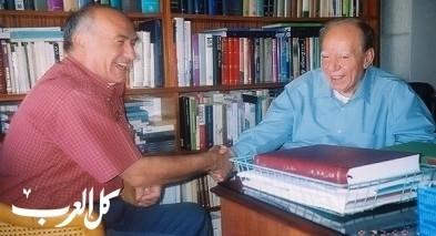 في حضرة الدكتور السمرة بقلم ب. فاروق مواسي