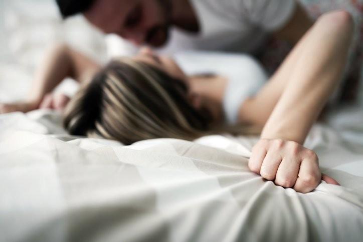 تخطي الخجل أثناء العلاقة الحميمة!