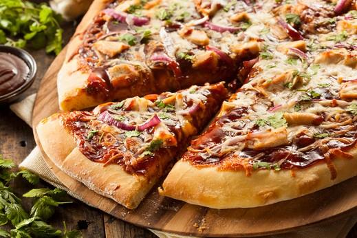طريقة سهلة لتحضير بيتزا الدجاج.. صحتين