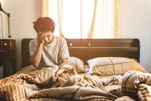 شاب: أشعر بالملل واليأس من الحياة