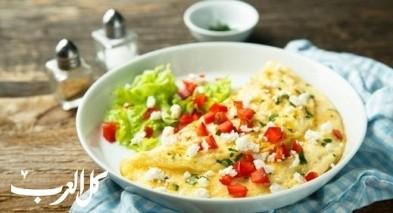 لفطور شهي حضّري أومليت بالفلفل والجبنة