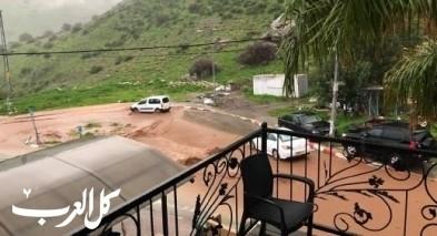 قرية وادي الحمام تغرق بمياه الامطار والسيول