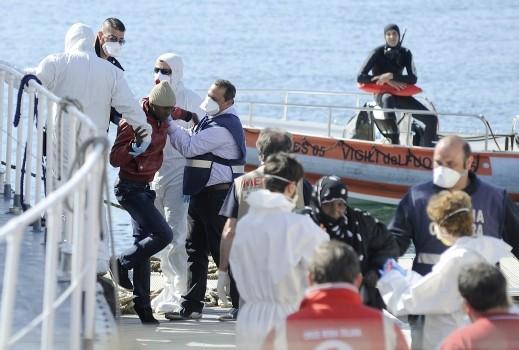 مصرع شاب من غزة بعد غرق مركب قبالة اليونان