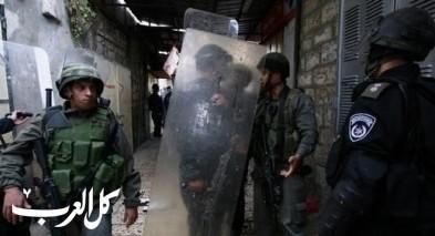 اعتقال مقدسيين بشبهة القاء الحجارة على مواطن