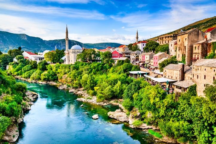 البوسنة.. استمتعوا برحلة من الخيال