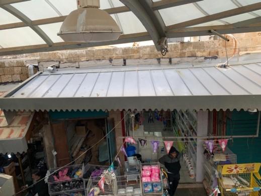 بلدية عكا ترمم أسقف السوق بالبلدة القديمة