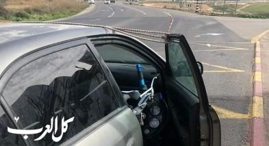النقب:ضبط سائق ينقل دراجة نارية بسيارة والباب مفتوح