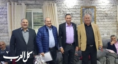 وفد من لجنة المتابعة يزور مؤنس عبدالحليم في مسعى لرأب الصدع