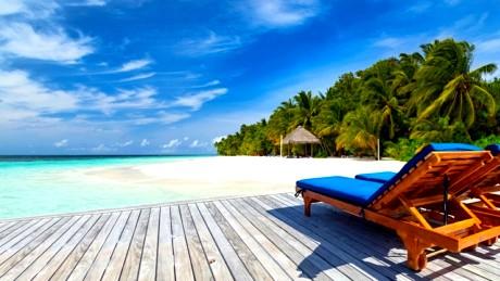 جزر لا تفارقها الشمس الدافئة في الشتاء 