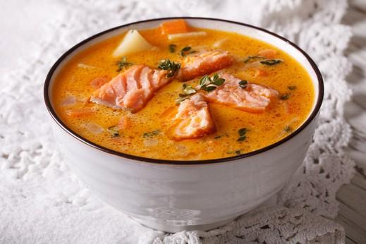 شوربة السمك الحمراء.. لذيذة وغنية بالفوائد