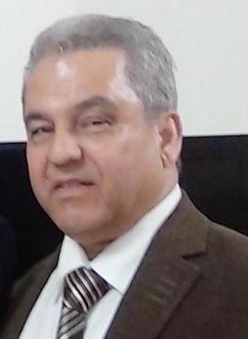 قليل من التواضع منصور عباس/بقلم:أحمد حازم