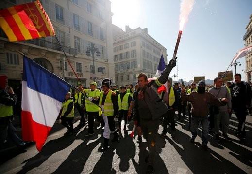 فرنسا: تظاهرات السترات الصفراء مستمرة