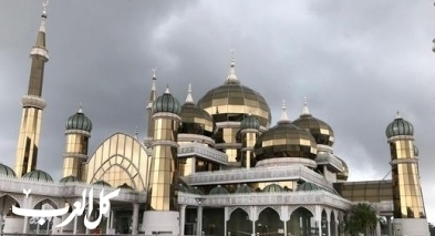المسجد البلوري أحد أجمل المساجد في ماليزيا