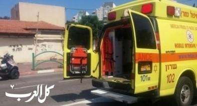 اصابة رجل جراء انقلاب شاحنة قرب يوكنعام