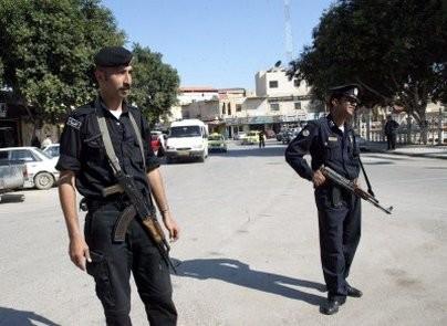 الشرطة الفلسطينية توقف مشتبها بتجارة المخدرات