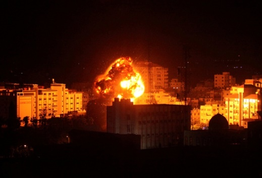 غارات إسرائيلية على مواقع عديدة في غزة