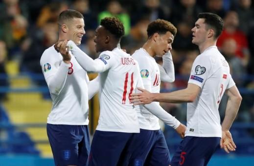 إنجلترا تقلب الطاولة على الجبل الأسود وتفوز بخماسية