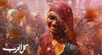 احتفال هولي للهنود في معبد دوجي.. صور