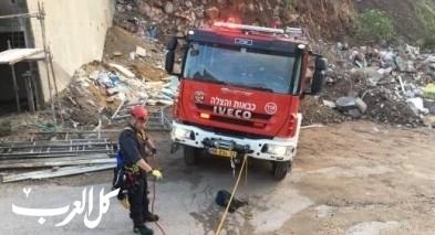 اندلاع حريق بداخل شاحنة قرب أبو سنان