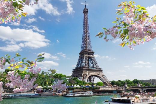 وجهات وعناوين سياحية في باريس
