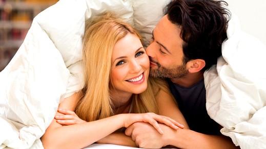 تعرّفي على تأثير القبل على العلاقة الزوجية!