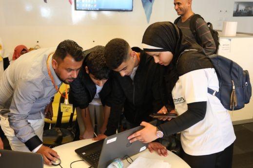 مسابقة هاكتون في المدارس العربية بالنقب