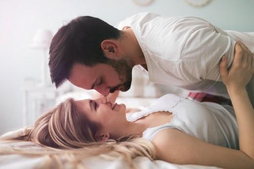 القبلة الصباحية لعلاقة زوجية صحيّة!
