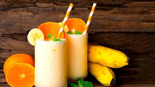 كوكتيل البرتقال والموز الكريمي.. صحتين