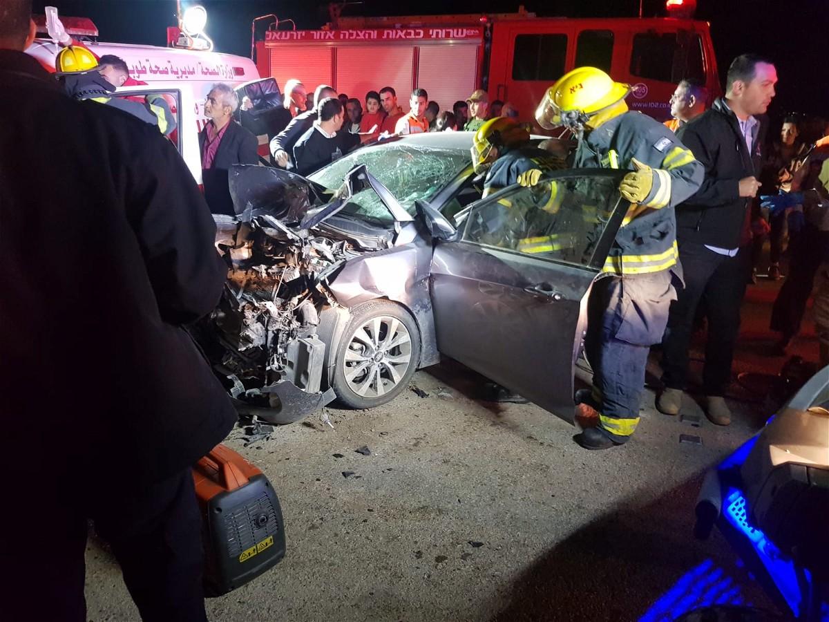 اصابة 4 اشخاص بحادث طرق على شارع 90