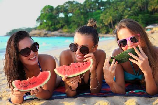 حواء..ارشادات لتغذية صحية خلال السفر