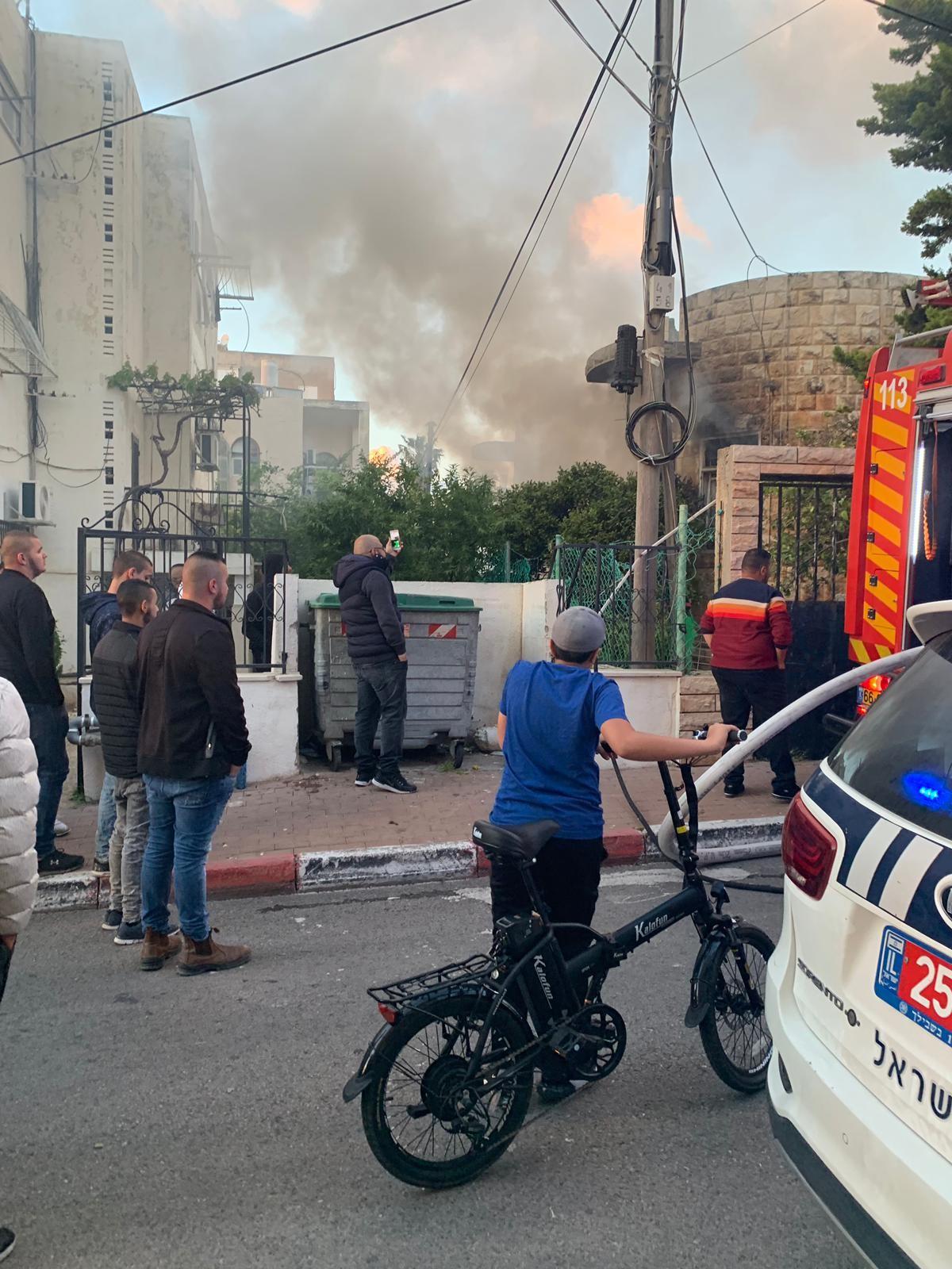 اندلاع النيران بمنزل عربي في عكا دون وقوع اصابات