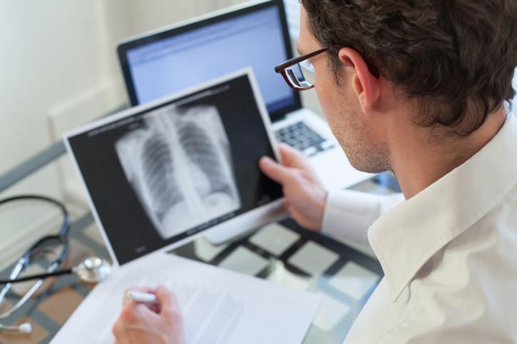 علاج التهابات الرئة بطريقة سهلة