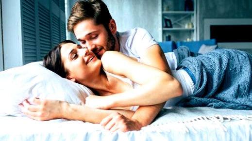 6 علامات تدل على سعادة الزوج بعد العلاقة الحميمة