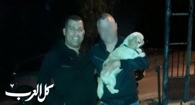 الشرطة تعيد كلبة مفقودة لفتاة