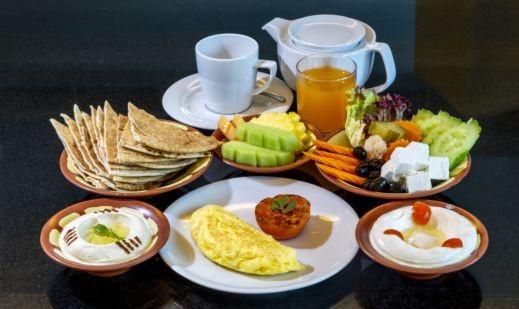 ما تأكله في السحور يؤثر على جوعك وعطشك خلال النهار