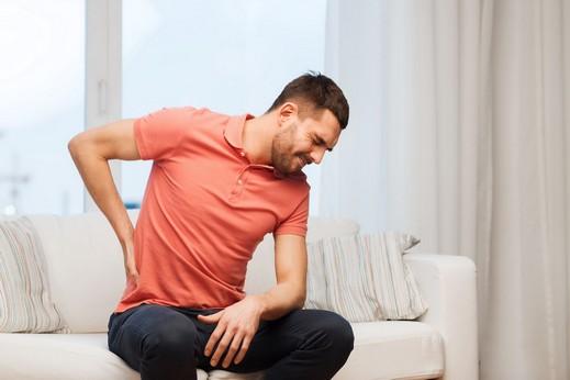 آلام الظهر أكثر الأمراض شيوعاً لدى الرجال