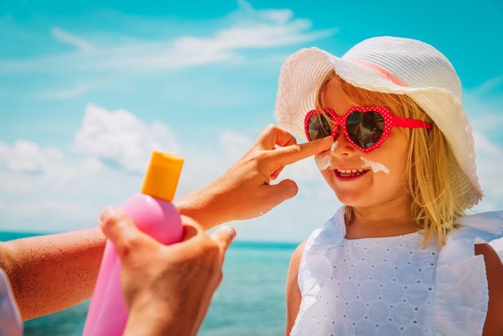 كريمات الوقاية من الشمس خطر على صحتكم