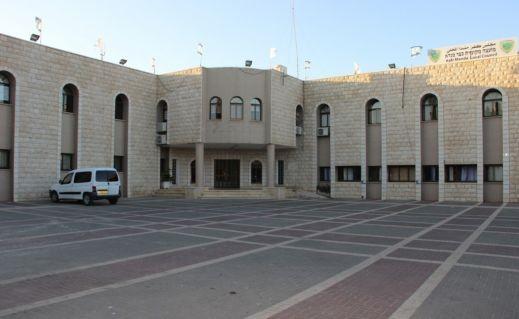 مجلس كفرمندا يستنكر حرق سيارة علي زيدان