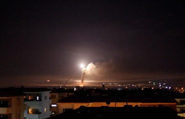 الدفاع الجوي السوري يتصدى مجددا لأجسام معادية