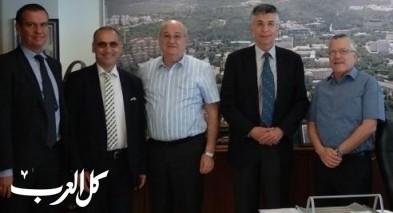 سفير اسبانيا يقوم بزيارة عمل إلى حيفا