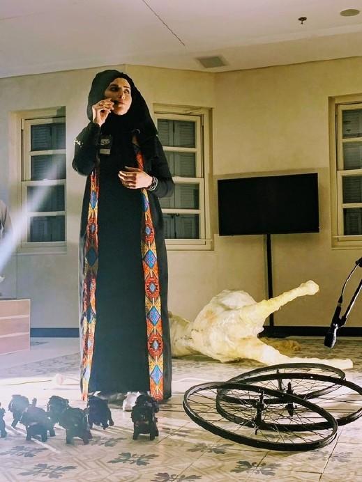 عائشة عرار تشارك بمعرض الفنانين  في تل أبيب