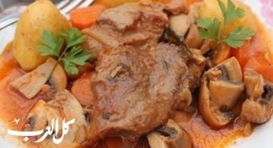 صينية اللحم بالفرن مع الفطر.. صحتين
