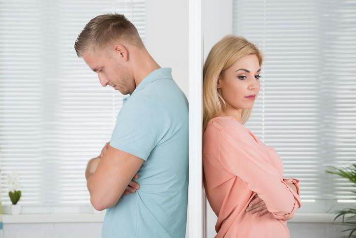 إحذري هذه العادات الي تبعدك عن زوجك