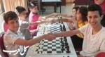 مشاركة طلاب وطالبات مدارس بمسابقة الشطرنج