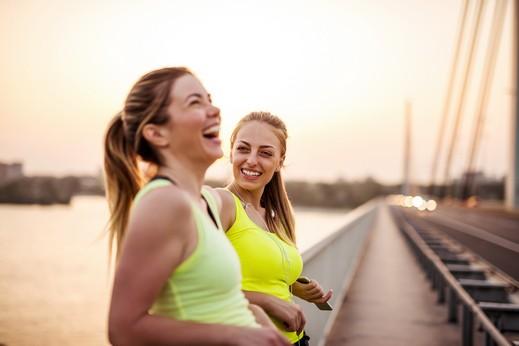المشي ساعة يمحو عامًا من عمر الدماغ
