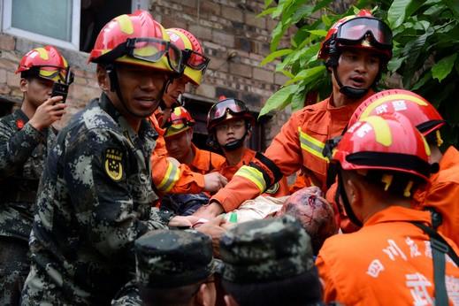 الصين:زلزال يسفر عن مصرع 6 أشخاص وإصابة آخرين