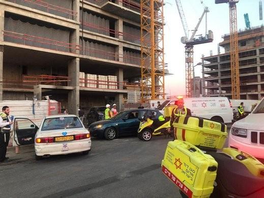 مسجاف: إصابة عامل سقط عن ارتفاع