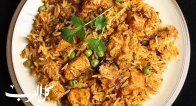 حضّري دجاج بأرز الكاري.. صحتين وهنا