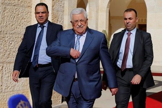 عباس: مستعدون للتفاوض مع أمريكا في حال تراجعت