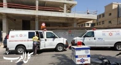حيفا: إصابة عامل جراء سقوط جسم ثقيل عليه
